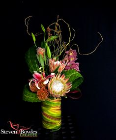 Tropical floral arrangement of pink protea, orchids, woven palms and foliage designed by Steven Bowles Creative, Naples, FL, floral and special event designer. www.stevenbowlescreative.com Contemporary Flower Arrangements, Tropical Floral Arrangements, Artificial Floral Arrangements, Ikebana Arrangements, Unique Flowers, Exotic Flowers, Tropical Flowers, Amazing Flowers, Silk Flowers