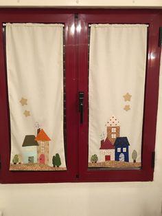 Unas cortinas encantadoras. Mo hay patrones, pero la idea es fácil de copiar. Mis Gallinitas Locas