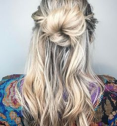 This #half-bun #beach #blonde style has us wishing we were on a #tropical  #vacay on the beach right now instead of in the #office with #mondayblues.  Be sure to secure your #Hairstyle wether you are on the #ocean or in your cubicle! If you could travel anywhere right now where would you go?  hair by @hairbytifftext