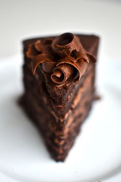 FUDGE MOUNTAIN CAKE : Butter + Chocolate chips + Eggs + Sugar + Coffee + Vanilla + Cocoa powder + Salt + Heavy cream