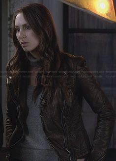 Spencer's bronze leather jacket on Pretty Little Liars.  Outfit Details: http://wornontv.net/28937/ #PLL
