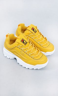 53 Street Shoes To Inspire Every Girl New Shoes Styles & Design Fila Shoes Outfit Design girl Inspire shoes Street Styles Pretty Shoes, Cute Shoes, Me Too Shoes, Awesome Shoes, New Shoes, Women's Shoes, Sneakers Fashion, Fashion Shoes, Fashion Closet