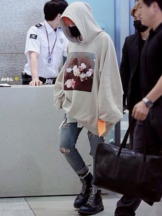 fashion 2015 G Dragon leaving aiport in Raf Simons New Order Power Corruption Lies Oversized Hoody Source:nathancoles dragon simons martens Kpop Outfits, Fashion Outfits, G Dragon Fashion, Korean Fashion, Mens Fashion, Fashion 2015, Kpop Fashion Male, The Danish Girl, Airport Style