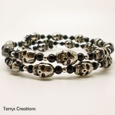 Silver 3D Skull Memory Wire Bracelet With Black Beads Halloween Goth Emo MB018