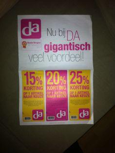 De boodschap van deze flyer is duidelijk! KORTING!!! De kleuren van de DA worden goed gebruikt en de flyer valt meteen op!