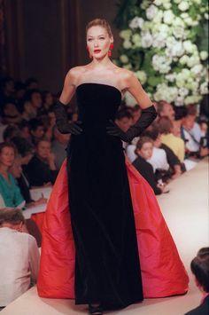 Yves Saint Laurent wraca do pokazów haute couture!