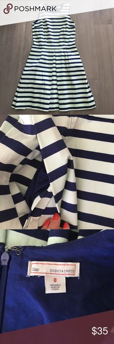 Gap Mint/Navy Sleeveless Dress WITH POCKETS Size 0 Beautiful Navy and Mint color striped dress. Has POCKETS! No extra lining. Excellent material. Zipper in the back. New Without Tags - Never Been Worn. GAP Dresses