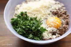 Placintele cu carne compozitie Mashed Potatoes, Grains, Rice, Ethnic Recipes, Food, Whipped Potatoes, Smash Potatoes, Essen, Meals