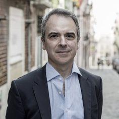 A escolha de Ferro Rodrigues -  O que Ferro Rodrigues nos quis dizer é isto: ou mantemos a austeridade, ou não há Estado social. Trata-se de uma ideia nova no debate político em Portugal. Para ele, o Estado social é a austeridade.