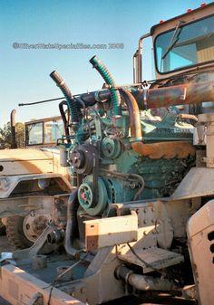Oshkosh Commercial Heavy Equipment Transporter (C-HET) Motor Diesel, Diesel Cars, Diesel Trucks, Diesel Engine, Hot Rod Trucks, Cool Trucks, Big Trucks, Small Diesel Generator, Model Truck Kits