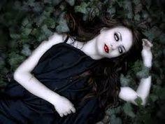 Risultati immagini per dark gothic girl