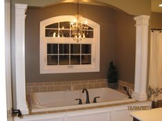 Favorite bathtub with columns Bad Inspiration, Bathroom Inspiration, Built In Bathtub, Modular Homes, Bath Design, Bathroom Interior, Kitchen And Bath, Master Bathroom, Interior Decorating
