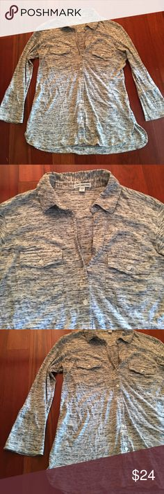 James Perse Button down shirt size 2 James Perse Button down gray speckled stripes shirt size 2 women's. EUC. No flaws. Offers welcome, great fit, figure flattering. James Perse Tops Button Down Shirts