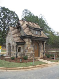 1000 images about micro dwellings on pinterest tiny for Very small cottages