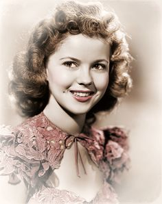 Shirley Temple, a Hollywood legend, passed away today 2014 , aged Hollywood Glamour, Golden Age Of Hollywood, Vintage Hollywood, Hollywood Stars, Classic Hollywood, Julie Newmar, Shirley Jones, Gina Lollobrigida, Duke Ellington