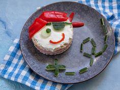 Pirate en vue Mini Sandwiches, Bento, Panna Cotta, Pirate, Ethnic Recipes, Desserts, Fantasy, Ham And Cheese, Kitchens