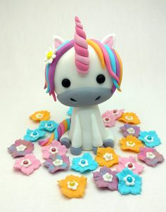 """Add a touch of magic to your baking with these bright and beautiful unicorn cakes. <a class=""""g1-link g1-link-more"""" href=""""http://thatlooksfab.com/25-magical-unicorn-cakes/"""">More</a>"""
