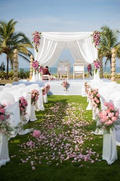 Looking for latest Outdoor Wedding Decorations? Check out the trending images of the best Indian Outdoor Wedding Decoration ideas. Indian Beach Wedding, Goa Wedding, Wedding Mandap, Wedding Stage, Trendy Wedding, Indian Bridal, Wedding Venues, Indian Weddings, Wedding Reception