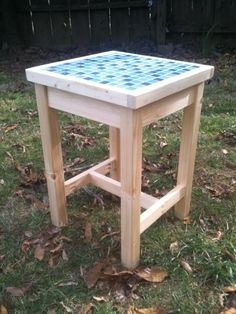 how to make a tile top table Patio table plans HowToSpecialist