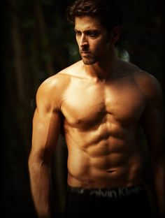 Ohhh the hot n sexy Indian Actor..Hrithik Roshan is his name..he's soo handsome!