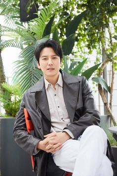 """Kim Nam Gil Discusses The Burning Sun Controversy Reference In """"The Fiery Priest"""" Korean Actresses, Korean Actors, Actors & Actresses, Drama Korea, Korean Drama, Drama Tv Shows, Instyle Magazine, Cosmopolitan Magazine, Kim Woo Bin"""