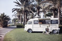 Who doesn't love a food truck at a wedding?! Rebecca Rees Photography