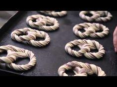 Cum se fabrica painea & produse de patiserie - YouTube