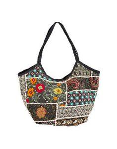 Väska (Mona) från Indiska. Inte så praktisk kanske men ack så fin!