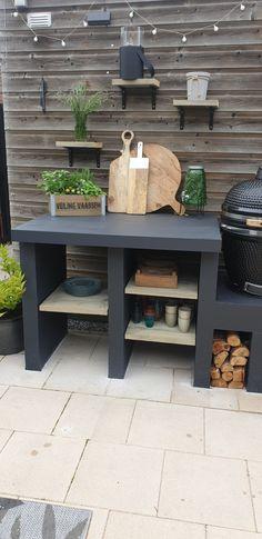 Small Outdoor Kitchens, Outdoor Bbq Kitchen, Outdoor Kitchen Design, Rustic Outdoor, Outdoor Cooking, Outdoor Garden Rooms, Small Backyard Gardens, Outdoor Gardens, Outdoor Living