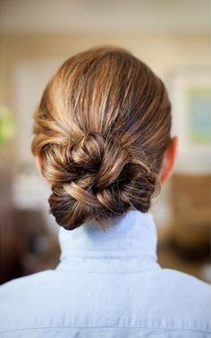 love this sleek twisted bun #updo #hair