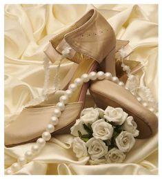 http://www.lucie.jp/bridal/rose_crassique/index.html?gdn2w