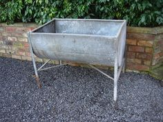 Large Weathered Vintage  Galvanised  Trough on Legs Garden Planter (114)