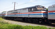 Amtrak Waives Pet Fees Through March to Promote Holiday Train Travel http://www.wideopenpets.com/amtrak-waives-pet-fees-through-march-to-promote-holiday-train-travel/