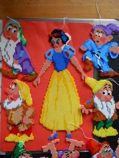 Snow White hama beads by Perler Bead Templates, Perler Patterns, Quilt Patterns, Hama Mini, Disney Pixar Movies, Pearler Beads, Some Ideas, Princesas Disney, Bead Art