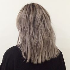 My client has been getting a #bleachandtone for some time now. It is quite high maintenance as a process and requires a 4 week root touch up. If you find yourself low maintenance but would like to maintain the look, get a full head of highlights to maintain a similar look, it will blend down and buy you more time and save you some money. #haircolor #color #greyhair #color by #mizzchoi #ramireztran #ramireztransalon