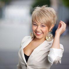 Short Hairstyles for Women Over 50-slide 1