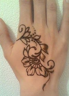 49 Beautiful Henna Tattoo Designs For Girls To Try At least Once - Torturein Egypt Henna Flower Designs, Henna Tattoo Designs Simple, Mehndi Designs For Beginners, Flower Henna, Beautiful Henna Designs, Mehndi Designs For Hands, Tattoo Designs For Girls, Easy Simple Mehndi Designs, Easy Henna Patterns