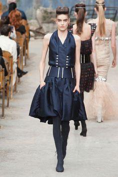 Want.  Défile Chanel Haute couture Automne-hiver 2013-2014 - Look 38 #Paris Fashion week