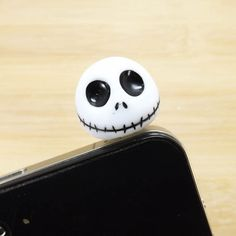 Hey, I found this really awesome Etsy listing at http://www.etsy.com/es/listing/119396934/cool-3d-jack-skellington-skull-ghost