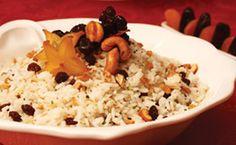 Arroz com nozes, uva-passa e castanha de caju. Receita de arroz simples e tradicional para a ceia de Natal