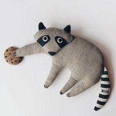 New baby toys handmade plushies ideas Softies, Art Textile, Fabric Toys, Plush Pattern, Sewing Toys, Felt Toys, Animal Pillows, Diy Toys, Handmade Toys