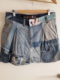 960e7bd4c6547 Jupe en jean Desigual - Jupe en jean Desigual Taille 40 Originale façon  patchwork