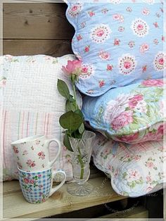 Pretty cottage pillows. I need to figure out how to make them!