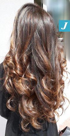 We ❤️ long hair  #cdj #degradejoelle #tagliopuntearia #degradé #welovecdj #igers #naturalshades #hair #hairstyle #haircolour #haircut #fashion #longhair #style #hairfashion