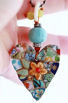 Ceramic Valentine Heart Mosaic Pendant Yellow Daisy by lisabetzoriginals, Mosaic Crafts, Mosaic Projects, Mosaic Art, Mosaic Glass, Mosaic Tiles, Glass Art, Stained Glass, Valentine Heart, Valentines