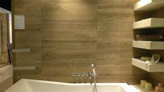 płytki w kolorze drewna do łazienki