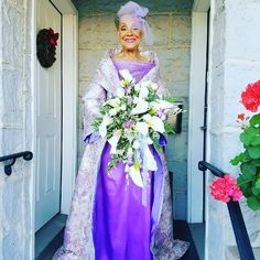 An grandmother from New Jersey, Millie Taylor-Morrison, got married earlier this month in a self-designed purple dress. A photo of the stunning bride has since gone viral. Purple Wedding, Wedding Bride, Wedding Day, Wedding Dresses, Wedding People, Wedding Colors, Dream Wedding, Got Married, Getting Married