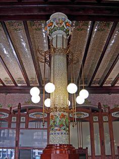 Mosaics and Tiles - El Estacio del Nord, Valencia Art Nouveau Illustration, Art Nouveau Architecture, Barcelona Spain, Arts And Crafts, Art Deco, Ceiling Lights, Train Station, Mosaics, 1920s