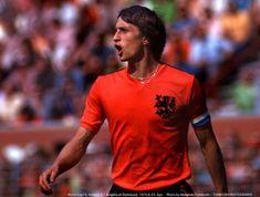 English Football League, Paul Weller, International Football, National Football Teams, Fifa World Cup, Ronaldo, Barcelona, Polo Ralph Lauren, Soccer