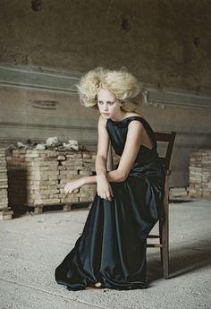 Carla Coulson portrait fashion Italy